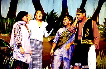 A scene from Gemilang 2000